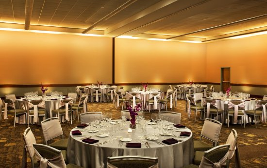 Lombard, IL: Lilac Ballroom