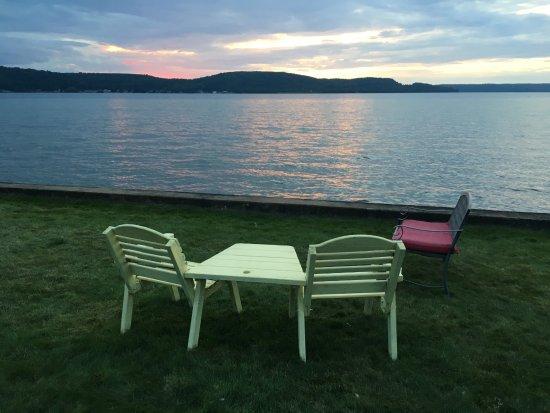 Sunset Motel on the Bay Photo