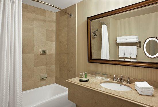 The Westin Poinsett, Greenville: Guest Bathroom