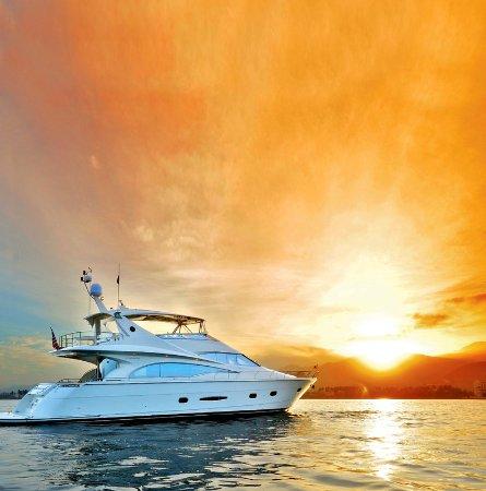 The St. Regis Punta Mita Resort: Edy Yacht