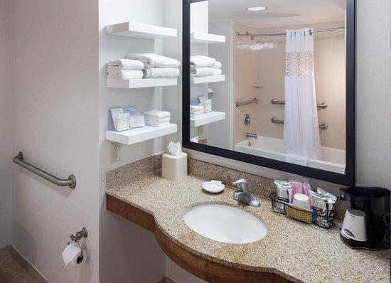 Tulare, CA: Accessible Bathroom