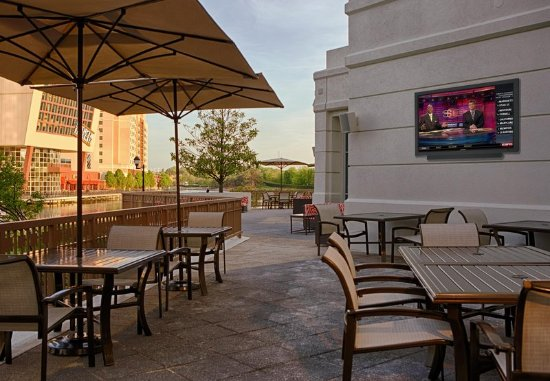Gaithersburg, MD: Outdoor Patio