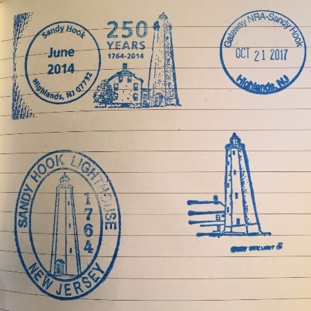 Middletown, Нью-Джерси: Passport stamps available - NPS ones are on top.