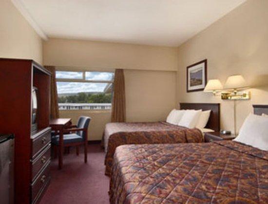 Πρινς Τζόρτζ, Καναδάς: Standard Two Queen Bed Room