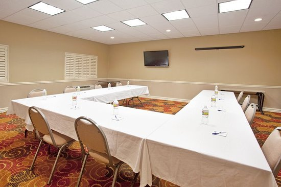 Rancho Mirage, CA: Allow us to set up your next Conference at our Hotel