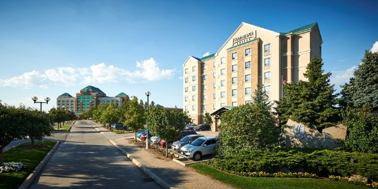 Oakville, Canada: Hotel Exterior