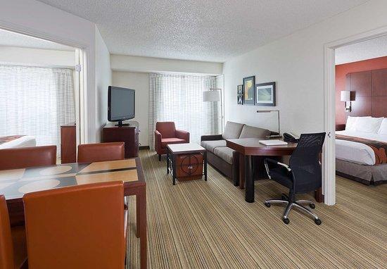 Rancho Cordova, CA: Two-Bedroom Suite