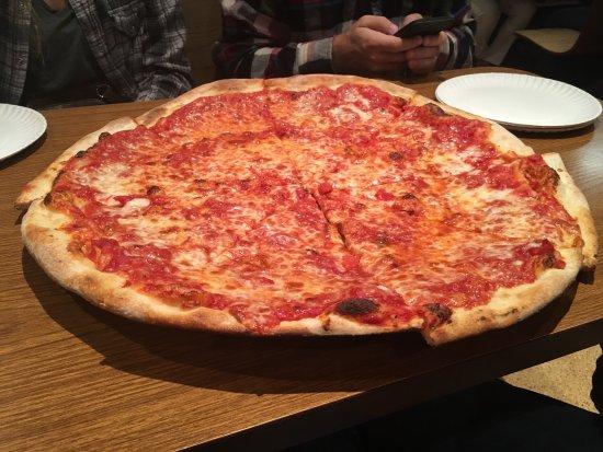 Ny Suprema Pizzaria Near Madison Square Garden Picture Of Pizza Suprema New York City
