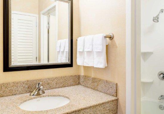 Cary, Carolina do Norte: Guest Bathroom