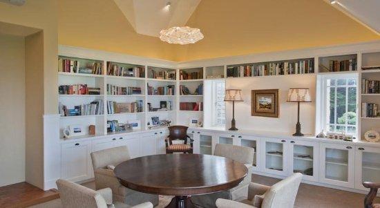 Wharekauhau Country Estate: Librery