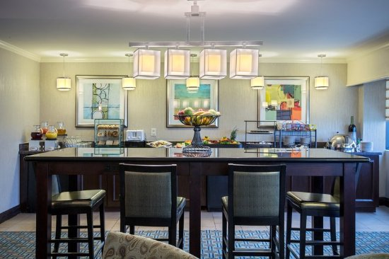 Bridgeton, MO: Guest Lounge