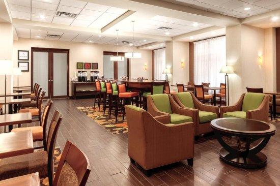 Hampton Inn by Hilton Edmonton/South: Lobby