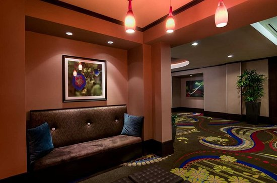 Foyer seating area picture of hilton garden inn houston - Hilton garden inn houston nw willowbrook ...
