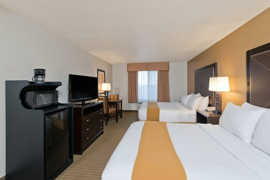 North Platte, NE: Wheelchair Accessible Queen Guest Room
