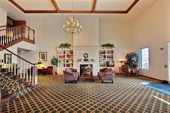 Holiday Inn Express Oshkosh-SR 41: Hotel Lobby