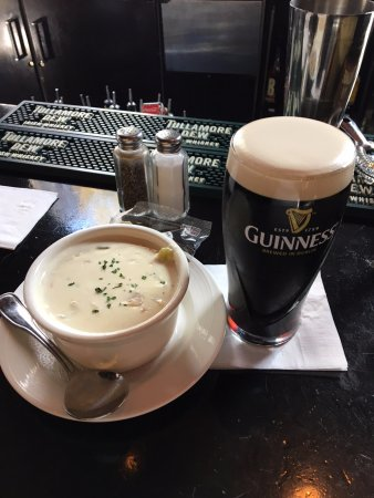 Ned Devines Faneuil Hall : Clam chowder and Guinness at Ned Devine's