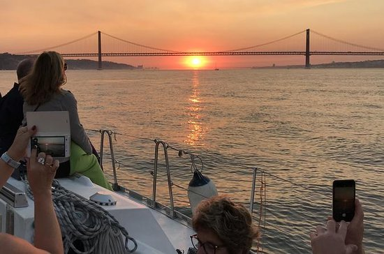 Lisbon Sunset Cruise with Welcome...