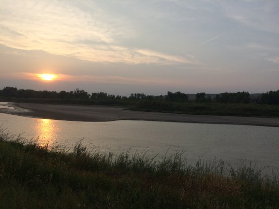 Dinosaur Provincial Park Comfort Camping: What a view!