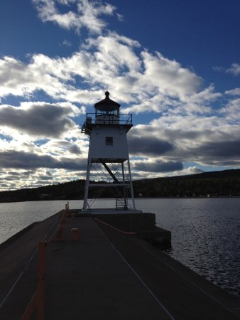 Grand Marais, MN: Love this harbor and lighthouse