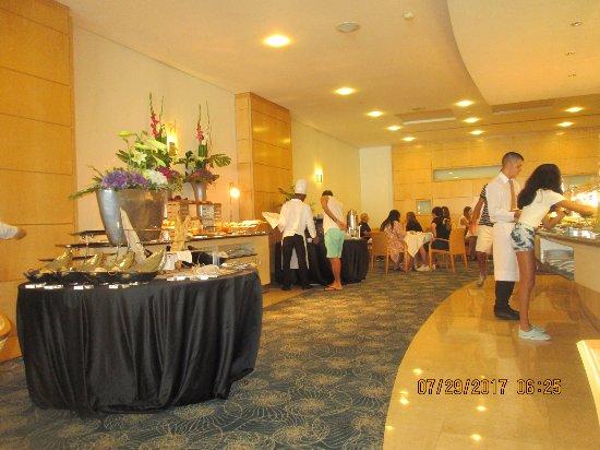 SANA Lisboa Hotel: Bufe do café da manhã.