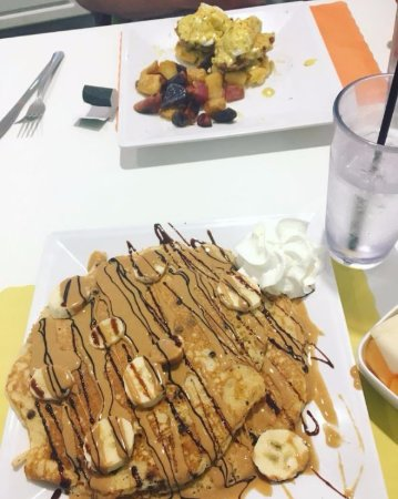 North Canton, OH: Peanut butter and banana pancakes + the cowboy benny