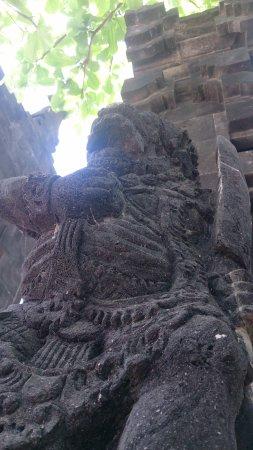 Kerobokan, Indonezja: Стражи.