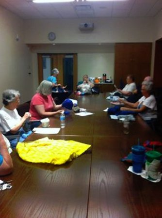 Bolingbrook, IL: Drop in knitting and crocheting group at Fountaindale Public Library Thursday mornings,