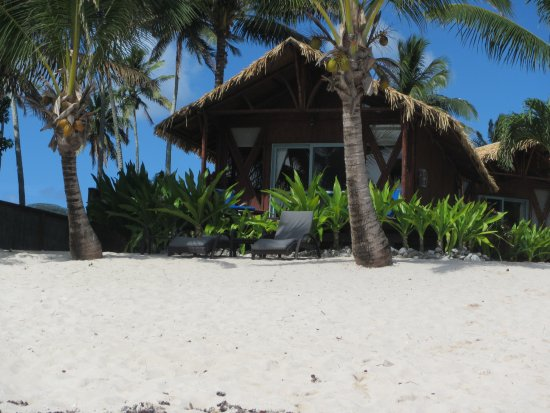 Magic Reef Bungalows: few steps to the water... view of Bungalow #1