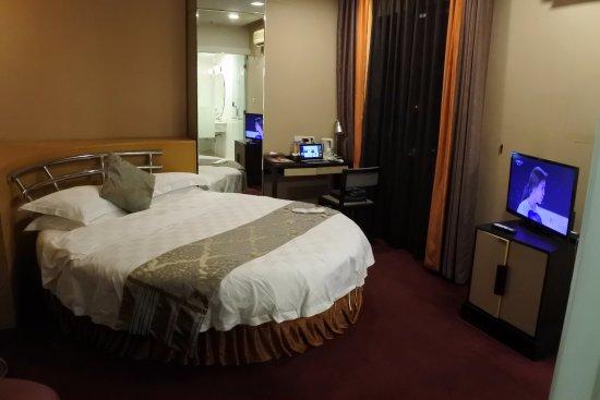 Shidai Yaju Hotel: 622号室 円形ベットですが、、商務大床房とのことです