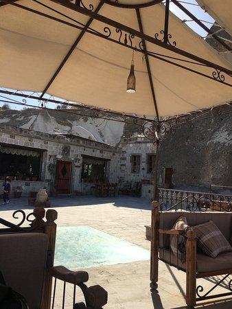panoramic cave hotel  eylül de yaptığım güzel ziyaretten bir avu görünümü.
