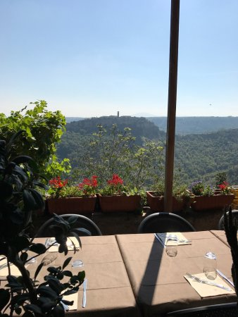 Lubriano, Italia: Stunning view to Civita and very tasty food