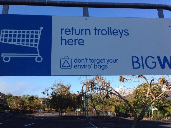 Atherton, Australia: Wheelchair access and disability parking bays.