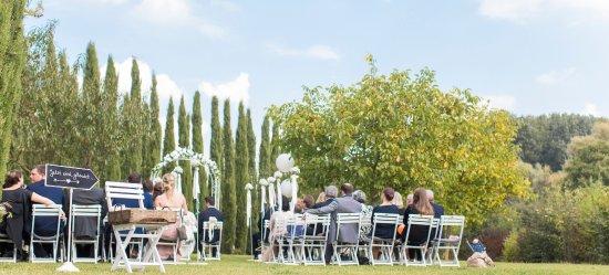 Eine Freie Trauung In Unserem Garten Bild Von Weingut Mussler