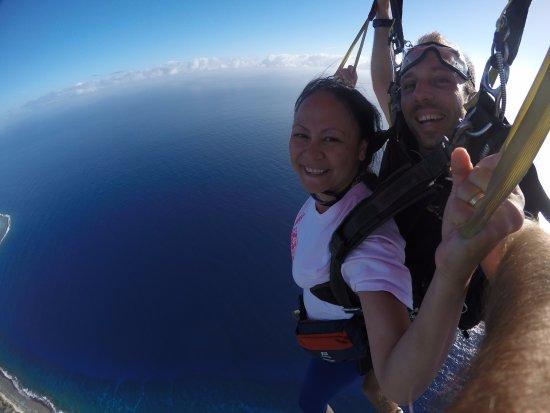 Temae, French Polynesia: Saut en parachute à Moorea