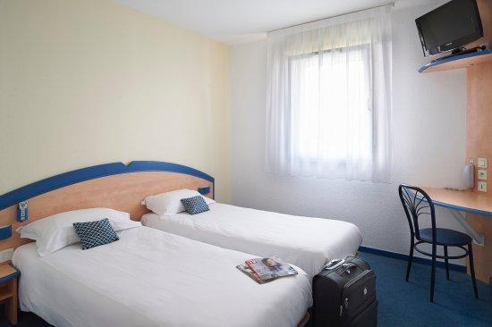 reserver une chambre d'hôtel pas cher à libourne - picture of