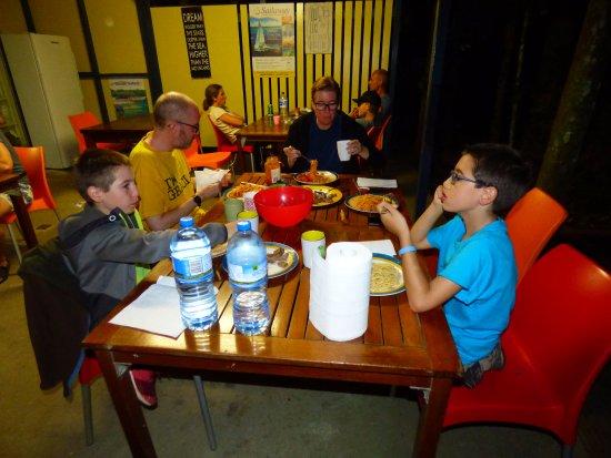 Cape Trib Beach House: Cocina comunitaria