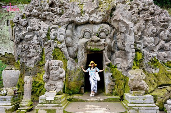 Hasil gambar untuk goa gajah temple