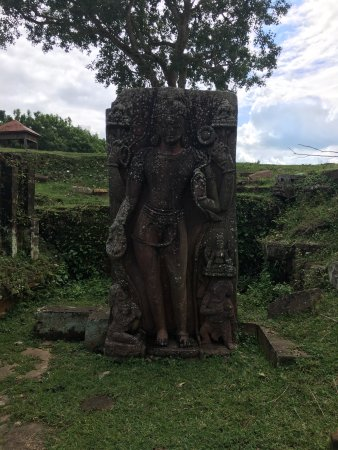 Ratnagiri Buddhist Excavation: photo7.jpg