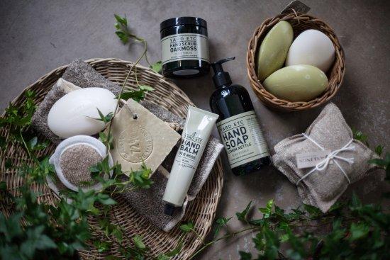 Ockero, السويد: Fina hudvårdsprodukter från Yard Etc och Terra Midi