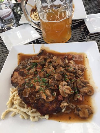 Cafe Berlin: Jagerschnitzel: breaded pork cutlet with mushroom gravy over spaetzel