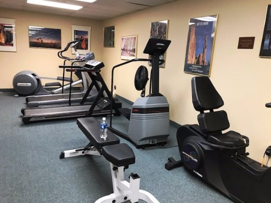 Wenatchee, WA: Elliptical and free weights available