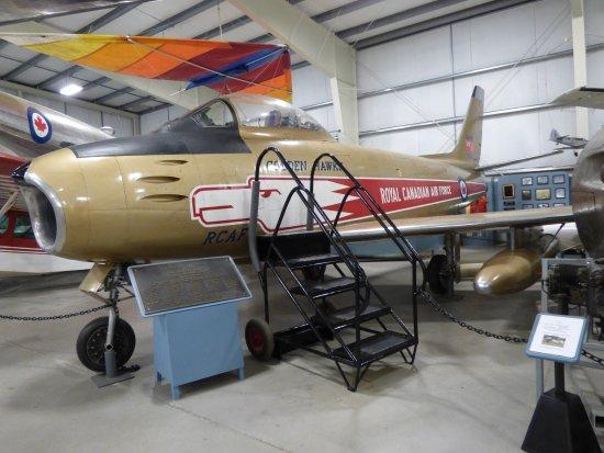 Goffs, Kanada: An F-86 Sabre of the RCAF Golden Hawks Aerobatic team