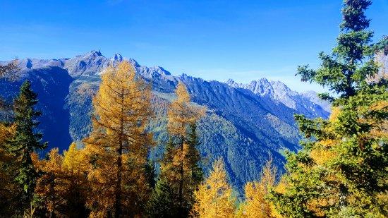 Telfes im Stubai, ออสเตรีย: View of the mountains from nearby