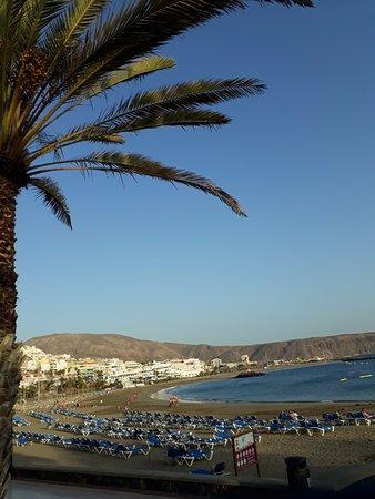 Panorama bij het buitenkomen ( uitgang naar de zee )