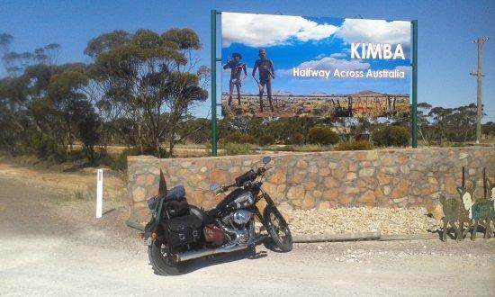 Kimba, Australia: Halfway Across Australia