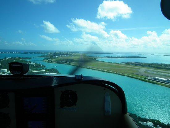 Blue Sky Flights: Im Anflug auf Bermuda International