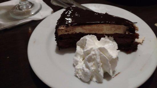 Piazza Sorrento: Chocolate hazelnut cake