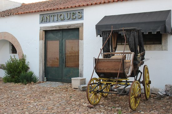 Décoration d\'entrée. - Picture of Quinta de Santa Barbara ...