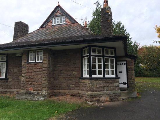 Monmouth, UK: Exterior of Raglan Lodge