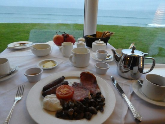 Sandhouse Hotel: breakfast table view